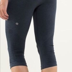 "Lululemon ""in the flow"" ruched cropped leggings"